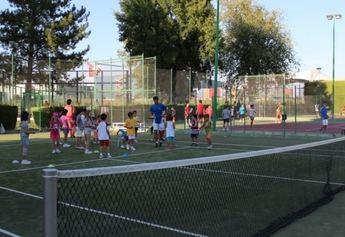 El Club Los Llanos acogerá el I Torneo de Tenis y Pádel a beneficio de AFANION