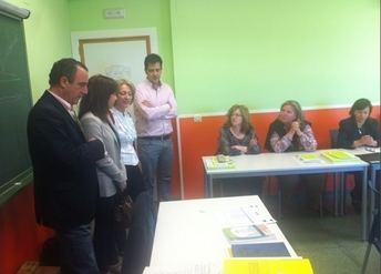 Manuel Mínguez inaugura en Hellín el curso de formación sociosanitario para mujeres desempleadas