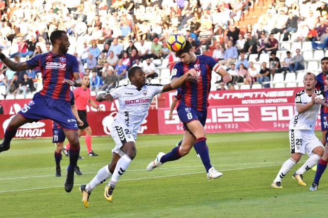 Albacete y Almería buscan la victoria para escapar los puestos bajos de la clasificación