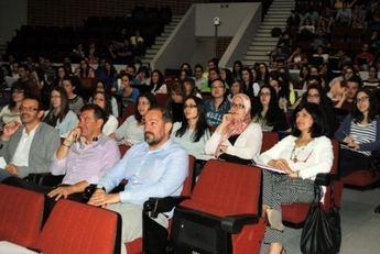 El seminario de la UCLM sobre liderazgo despierta el interés de los alumnos por los participantes