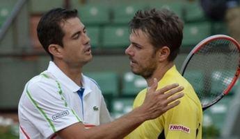 Guillermo García-López da la gran sorpresa de Roland Garros y deja en la cunea a Stan Wawrinka en cuatro sets