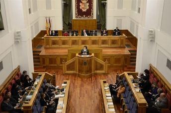 Las Cortes debatirán el 24 de abril sobre la supresión del Síndico, conservación de carreteras, dependencia y el Sescam