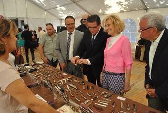 Inaugurada la V Feria de Cuchillería y Knife Show que durante tres días expone productos de cuchillería artesanal e industrial