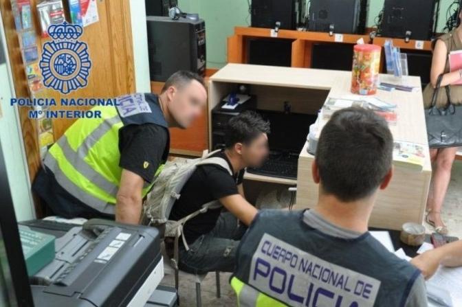 Dos detenidos en Albacete por robar el dinero que enviaban otras personas desde sus locutorios