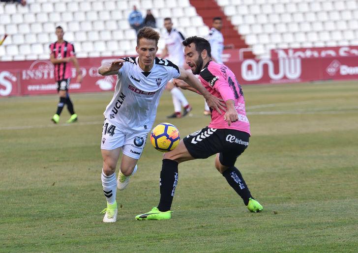 El Albacete Balompié quiere afianzarse en la zona tranquila de la tabla ganando al Nástic Tarragona