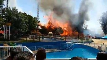 Un aparatoso incendio obliga a desalojar a 500 personas del 'Playa Park' de Ciudad Real