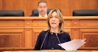 Ana Guarinos en su intervención este jueves en las Cortes de Castilla-La Mancha
