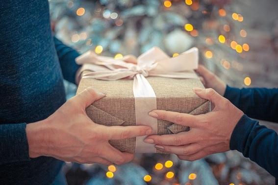 Consejos para la dedicatoria de un regalo perfecta