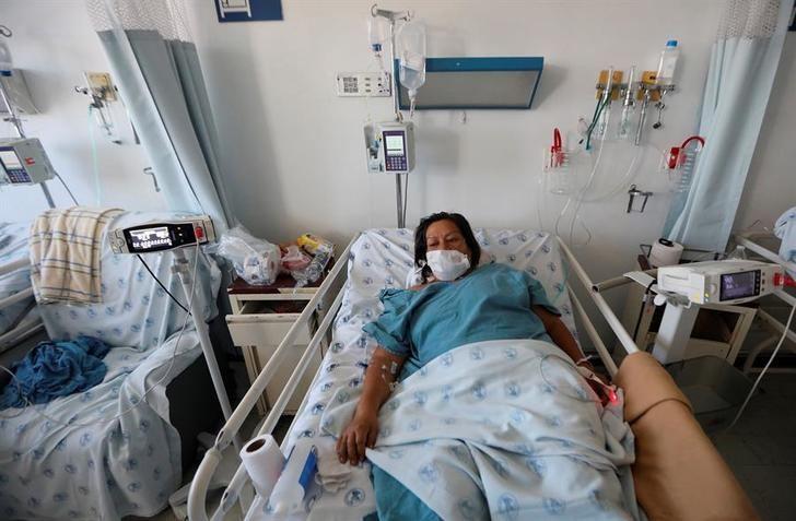 Bajan los casos y las hospitalizaciones por coronavirus en Castilla-La Mancha