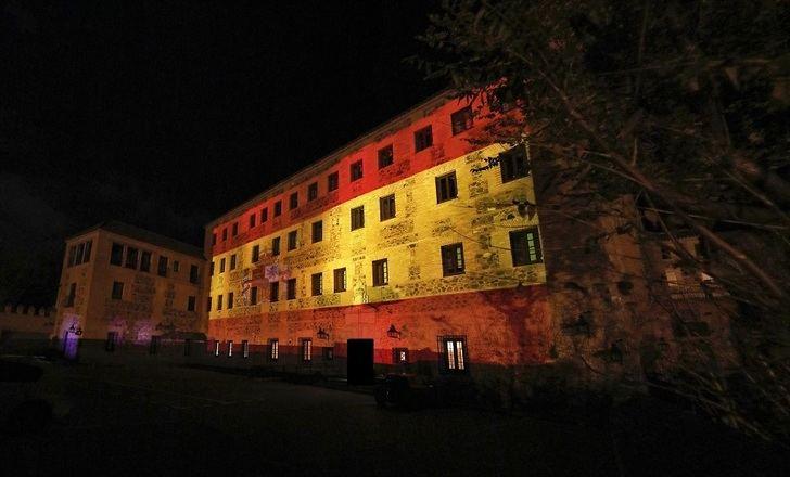 La bandera de España se proyectará las noches de este puente de la Constitución en la fachada de las Cortes de C-LM