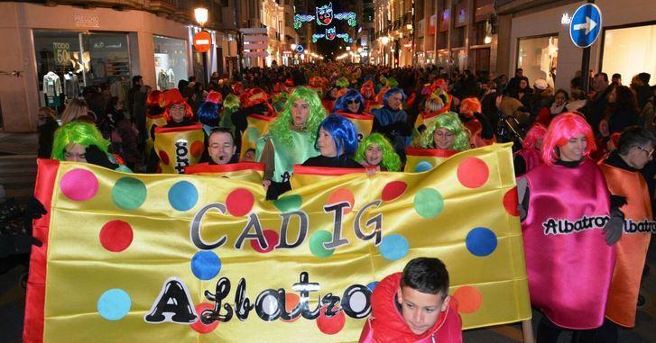 El frío no impidió un desfile multitudinario del Carnaval de Albacete (FOTOS Y VIDEO)