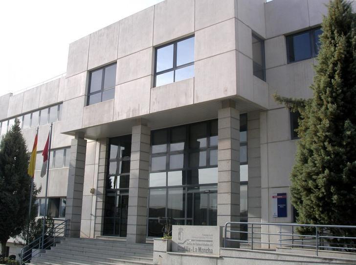 La Junta de Castilla-La Mancha convoca concurso de traslados de funcionarios de 1.2.67 plazas
