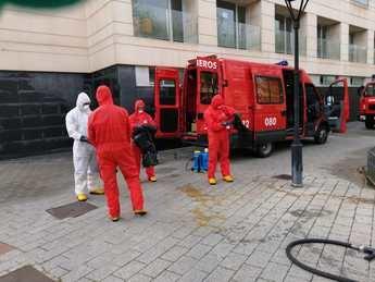 El Servicio Contra Incendios de Albacete procede a la desinfección de centros de salud