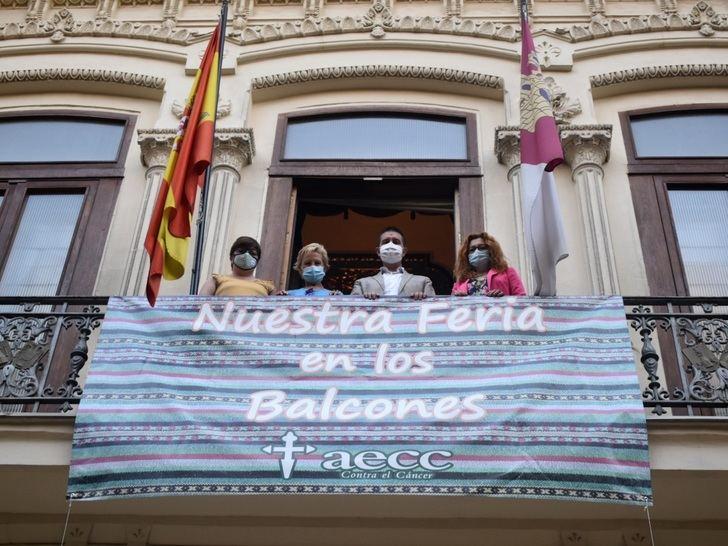 Cabañero anima a toda la provincia a sumarse a la iniciativa 'Nuestra Feria en los balcones'