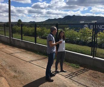 El cantero de Letur valora la oferta del Ayuntamiento para ampliar sus instalaciones por Elche de la Sierra