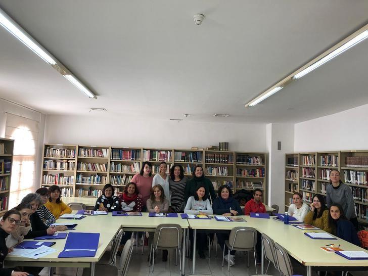 La Diputación favorece la formación en la atención a personas dependientes en Elche de la Sierra