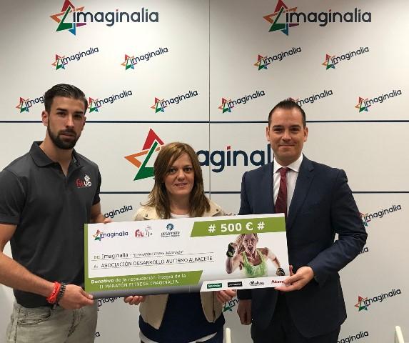 Imaginalia entrega la recaudaci n ntegra de la ii marat n for Gimnasio imaginalia