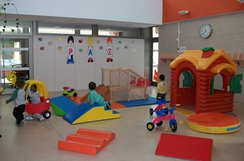 Las escuelas infantiles de Albacete reciben la visita de alumnos ingleses para concoer su funcionamiento