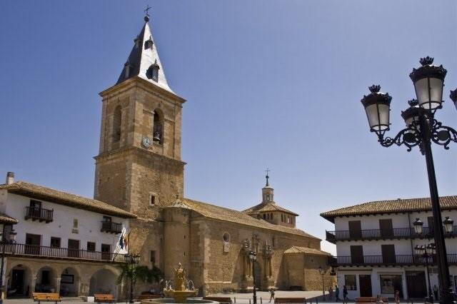 Tarazona de la Mancha será sede de la iniciativa 'WeBAR Mahou' para recuperar los bares como lugares de encuentro