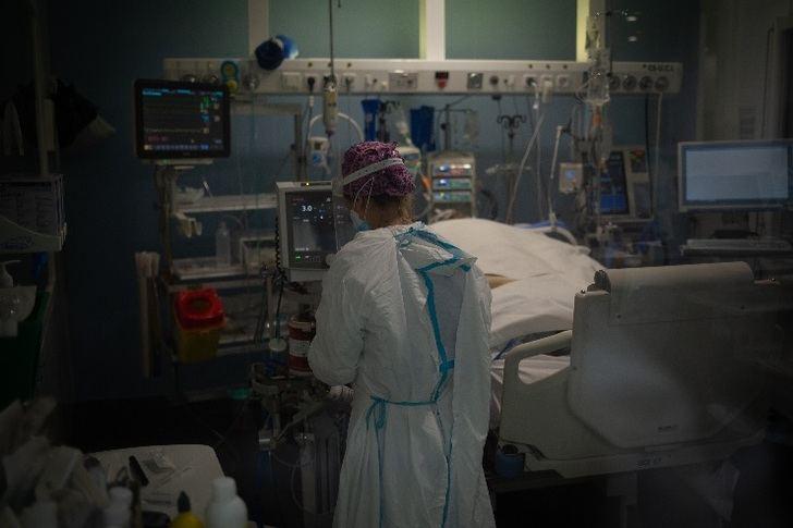 El fin de semana deja 2.448 casos nuevos en Castilla-La Mancha y tres fallecidos
