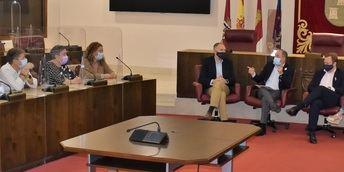 """El alcalde de Albacete plantea la creación de nuevos parques tras """"la buena acogida"""" de los 12 abiertos este año"""