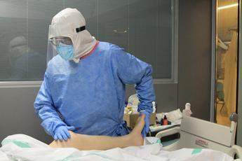 Especialistas de rehabilitación del hospital de Hellín atienden a 35 pacientes con coronavirus