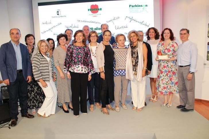 El Hospital Universitario de Albacete recibe el reconocimiento de las asociaciones de Parkinson