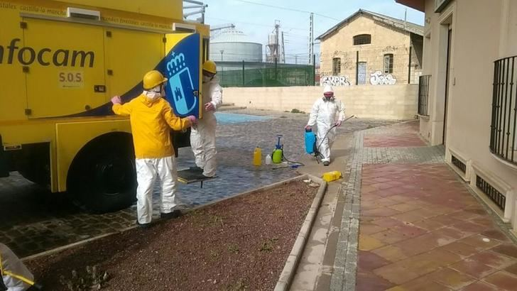GEACAM realiza trabajos de limpieza en residencias de mayores de Casas Ibáñez, Hellín y La Roda