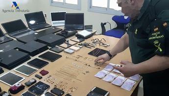 Detenido un hombre por robar joyas y efectos electrónicos en viviendas de Albacete y otras provincias