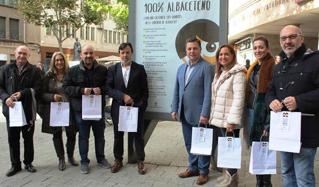 El Ayuntamiento anima a comprar en el pequeño comercio de Albacete