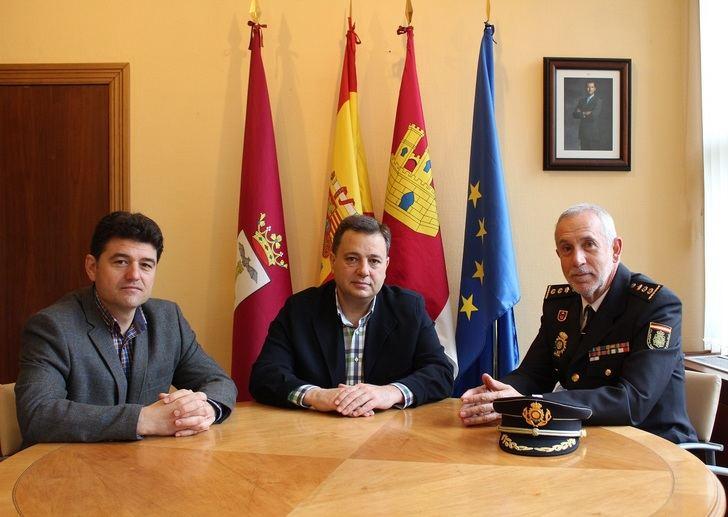 Manuel Serrano y el nuevo Comisario Jefe de la Policía Nacional trabajan para que Albacete siga siendo una de las ciudades más seguras