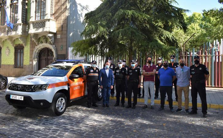 El Ayuntamiento de Albacete entrega un nuevo vehículo a Protección Civil