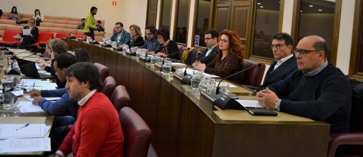 Albacete aprueba las mejoras en el servicio contra incendios y el fomento del turismo de negocios