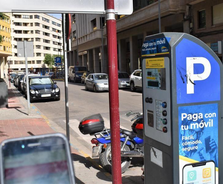 La zona de estacionamiento azul y roja de Albacete tendrá nuevo horario de verano a partir de mañana