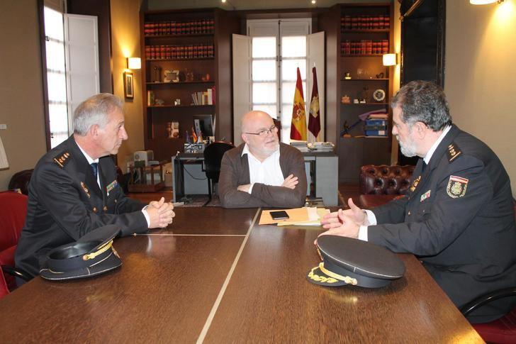 La labor del comisario jefe de la Policía Nacional en Albacete es reconocida tras más de 8 años de cargo