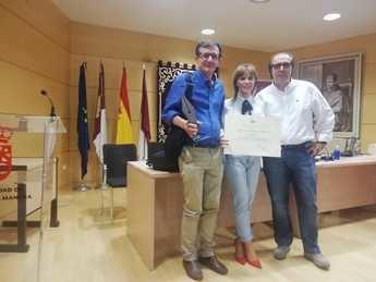 """El equipo educativo """"Arco Iris"""" de Albacete recibe el I premio profesional de Educación Social"""