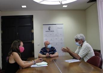 La Junta de Castilla-La Mancha interesada en conocer la programación cultural del Teatro de Albacete