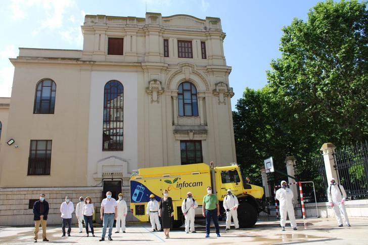71 centros educativos de la provincia de Albacete están siendo desinfectados por el GEACAM