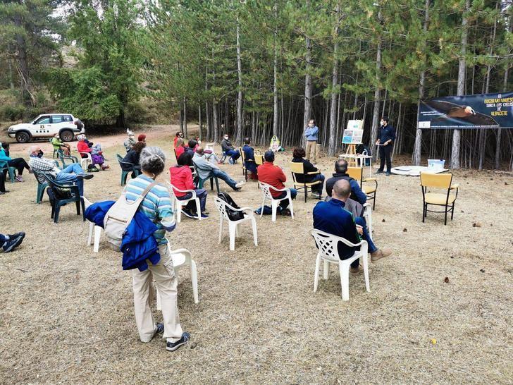 Las sierras albaceteñas acogen una campaña de sensibilización ambiente sobre el quebrantahuesos