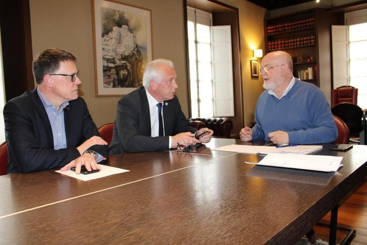 La Junta de Castilla-La Mancha visita las obras de la bomba de agua de abastecimiento en Abengibre