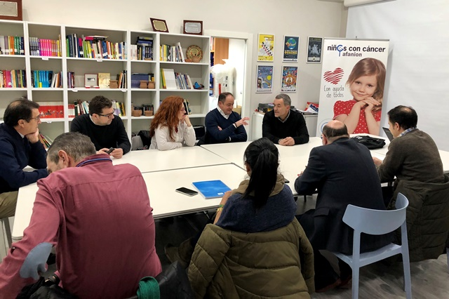 El PSOE de Albacete se reúne con la directiva de Afanion para saber de sus necesidades