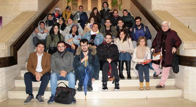 Los universitarios de Albacete reciben explicaciones de los cambios que implica la peatonalización del centro