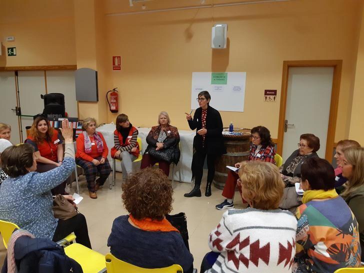 Las asociaciones de mujeres de Albacete reúnen a más de 60 participantes en Tinajeros