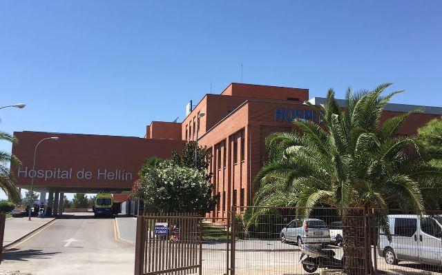Un fallecido y un herido muy grave al salir de la carretera una furgoneta en Hellín (Albacete)