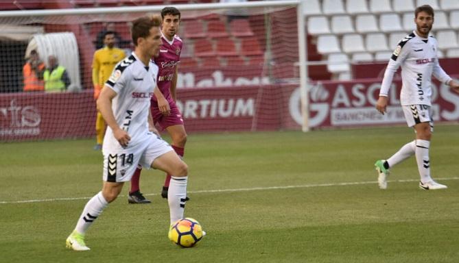 El Albacete busca en Zaragoza cambiar su racha ante un equipo que quiere asegurarse la promoción