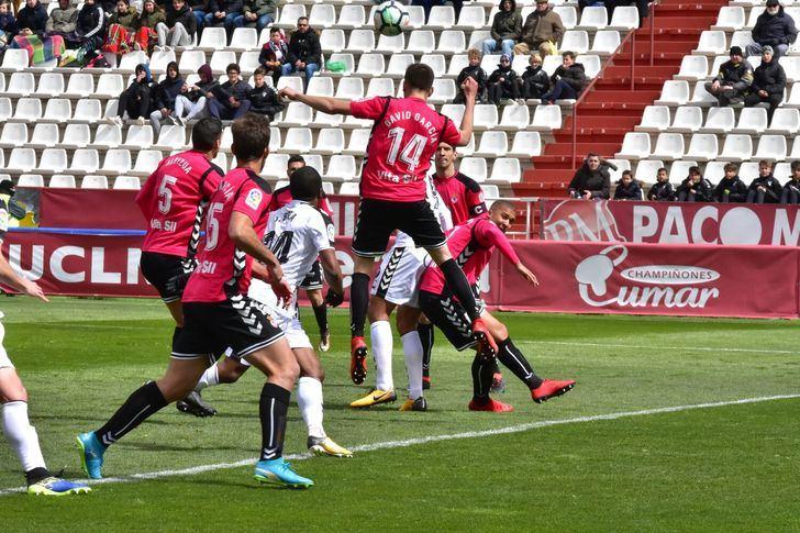 El Albacete se 'topo' con el meta Palatsí y no pasó del empate ante la Cultural (0-0)