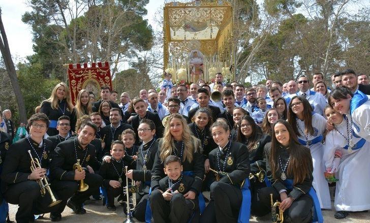 Ellos y ellas son los grandes protagonistas y hacen posible la Semana Santa de Albacete.