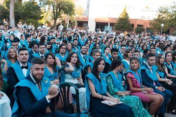 Nueva promoción de maestros de la UCLM. Acto en el Paraninfo de Albacete.