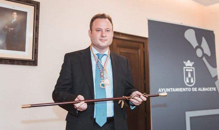 Vicente Casañ, el nuevo alcalde de Albacete, tras su toma de posesión.