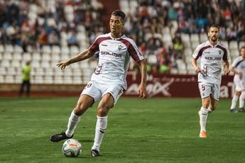 Extremadura y Albacete, con la amenaza del descenso, se miden en un partido vital